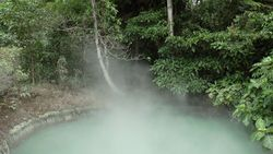 TORAGET hot spring, source of Spring Lake ブルーエメラルドレイク-3 Indonesia-Manado