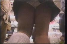 均匀的美腿 !Panchira 拍摄高中 !