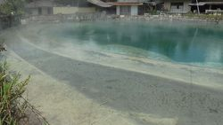 Minahasa Highland, カルメンガン hot spring source Spring Lake-2