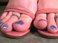 Her Sandals 【彼女のサンダル】